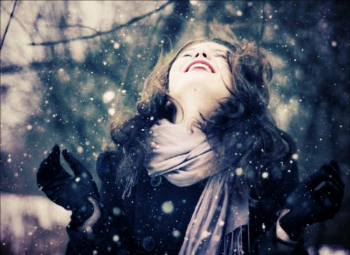 beauty-cold-cozy-fashion-girl-happy-Favim.com-91341