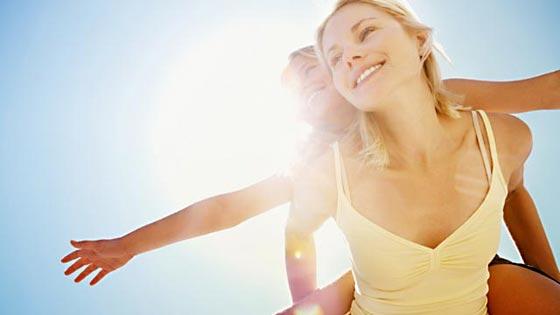 Woman_Child_Sunlight